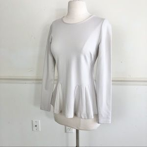 Carmen Marc Valvo Cream Small fluted knit blouse